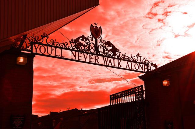 """Fudbal, muzika i Liverpool: Preminuo Gerry Marsden, čovjek koji je pjevao """"You'll Never Walk Alone"""""""